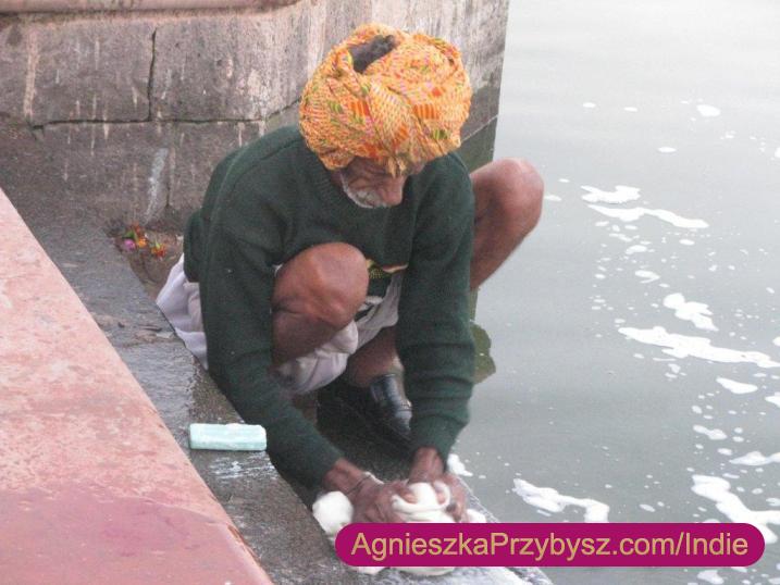 Ujjain-swieta-rzeka-Kszipra_Indie